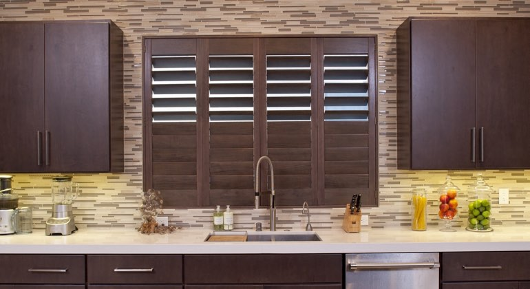 Charlotte cafe kitchen shutters
