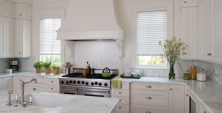 Charlotte kitchen white blinds