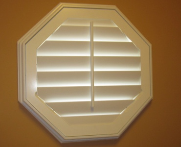 Charlotte octagon window shutter